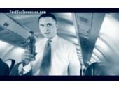 Harold Ford v letadle s lahví neznámé tekutiny