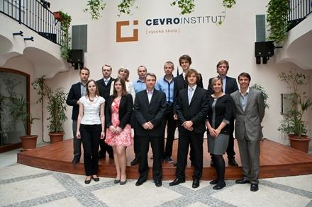 Absolventi LKA 2011/2012