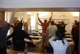 Součástí výuky komunikace je i trénink uvolňujících cviků