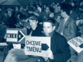 V televizním studiu před začátkem debaty mezi Paroubkem a Topolánkem